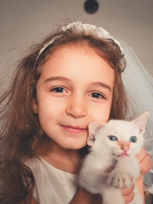 Pet adoption: children and pets