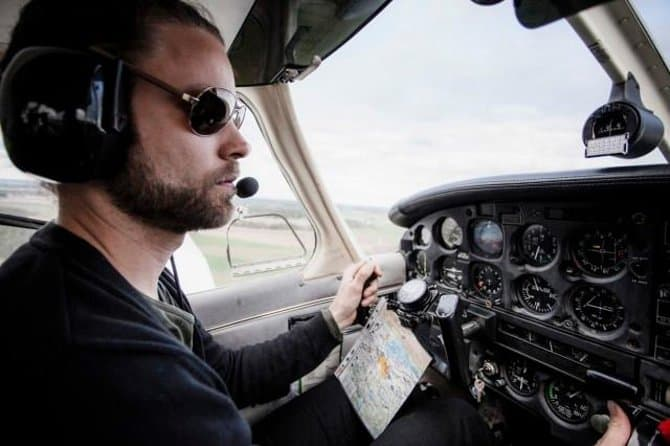 experience gifts fly a plane
